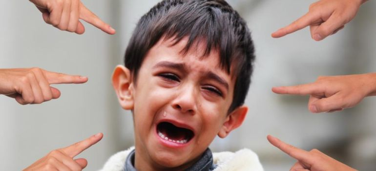 كيف نحمي أطفالنا من التنمر والذي أدى الى انتحار طفلة عربية كندية